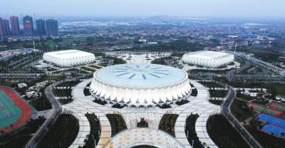 荆州体育中心成为城市新地标.